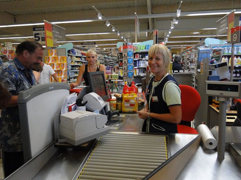 9 Interesting Things I've Deeply Thought About During My Summer Job Experience of Being a Cashier