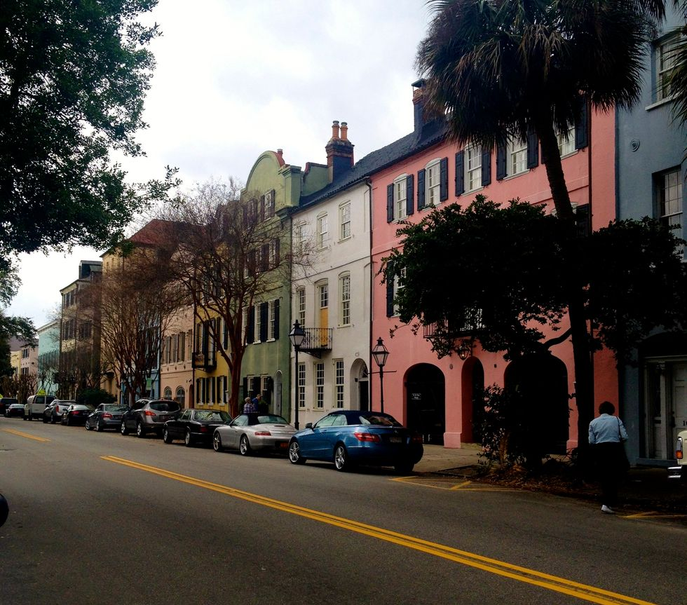 Vacationing In Charleston? Here Are 10 MUST Eats