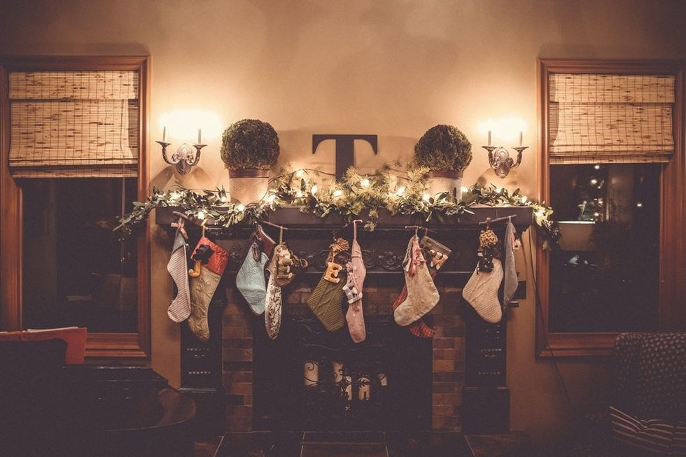 10 Christmas Traditions Your Friends And Family Can Start This Year