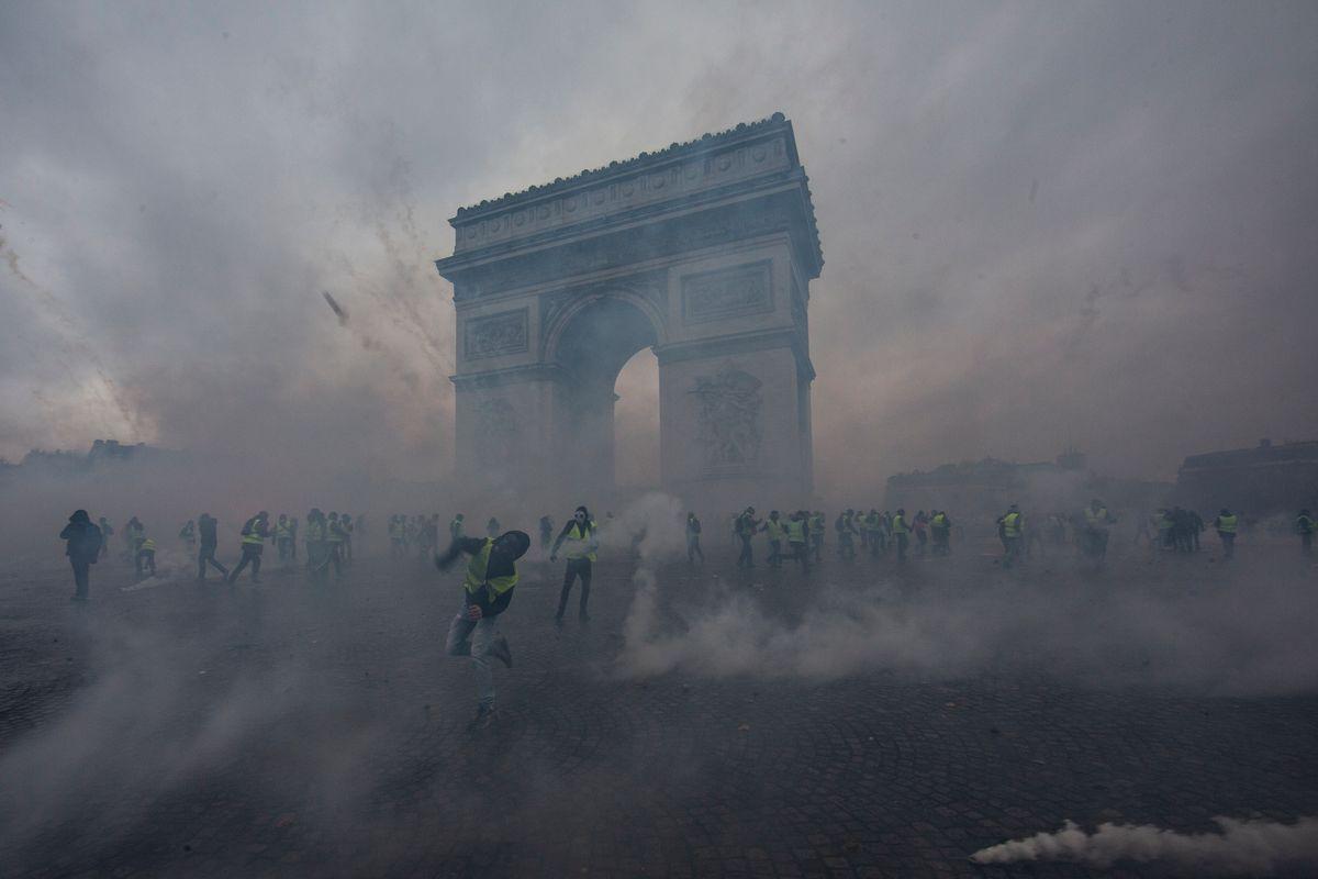 Tear Gas Attacks Take Paris After Violent Protests