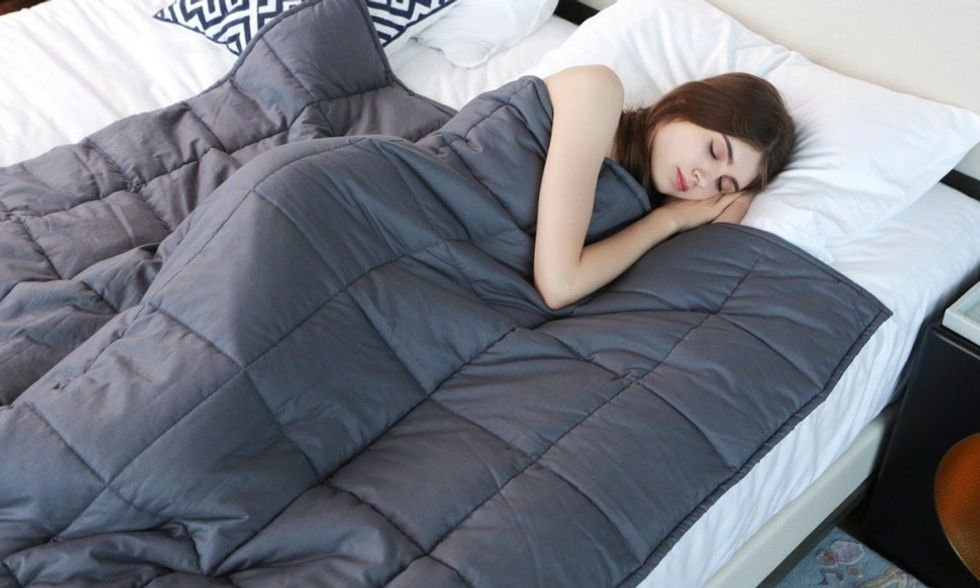 Sleeping with a weighted blanket can reduce your stress & anxiety