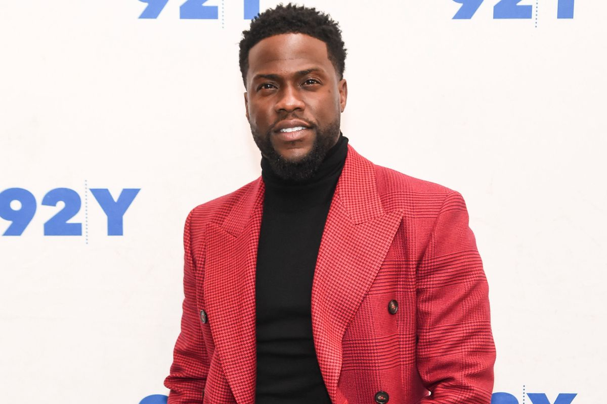 Oscars Host Kevin Hart Is Frantically Deleting His Homophobic Tweets