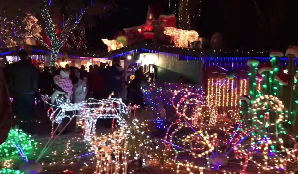 Arizona man turns off lights on his decadeslong Christmas tradition amid complaints from city