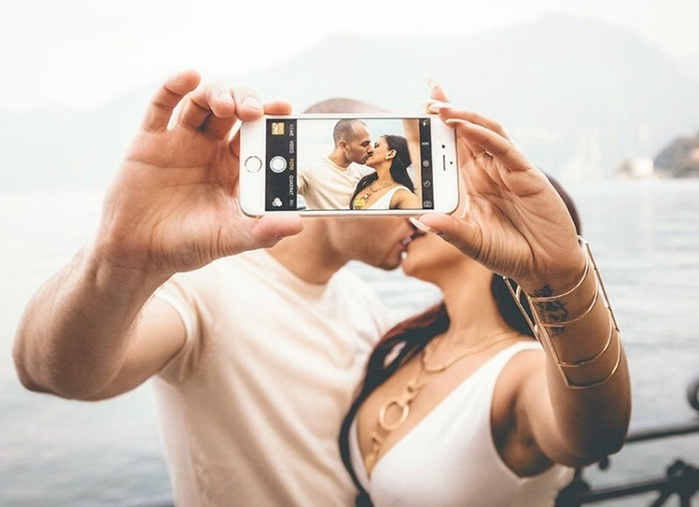 https://www.zoosk.com/date-mix/online-dating-tips/online-dating-tips-based-data/