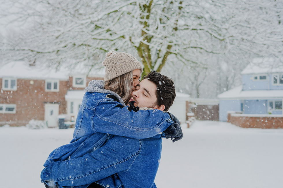 17 Ways You and Your S.O. Can Be Total Couple Goals This Holiday Season