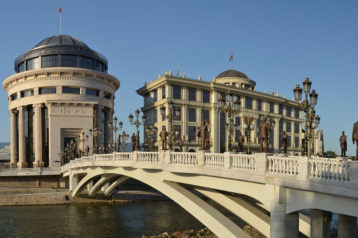 In Macedonia ha vinto l'accoppiata Ue-Soros e imposto il credo socialista