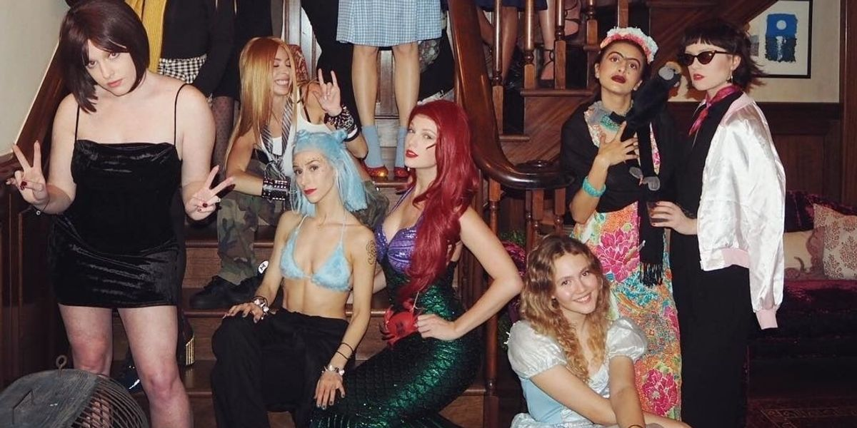 Taylor Swift's NYE Bash Was an A-List Costume Party