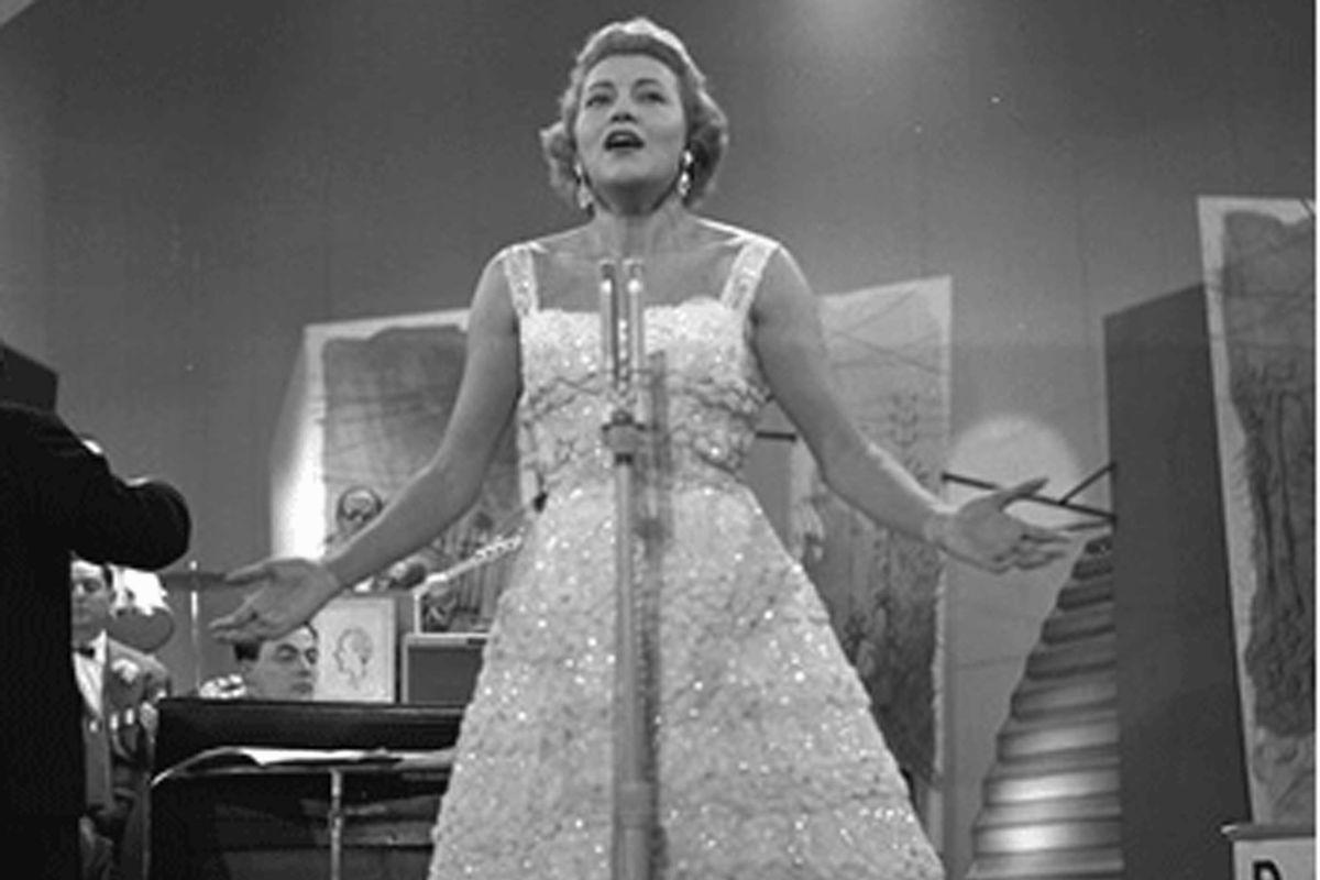 La bella regina della canzone che osò sfidare anche il beat