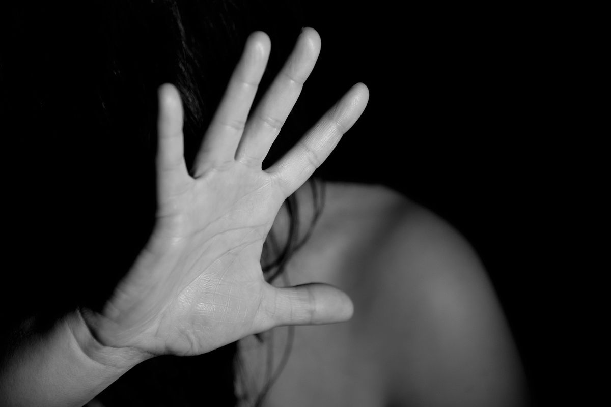 Sedicenne uccide un marocchino. «Voleva stuprarmi, mi sono difesa»