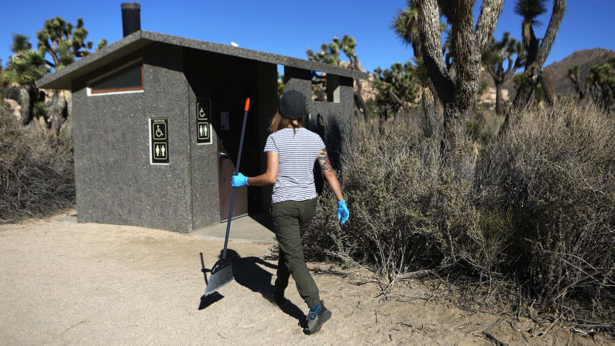 As Shutdown Drags on, National Parks Will Use Entrance Fees to Take Out Trash