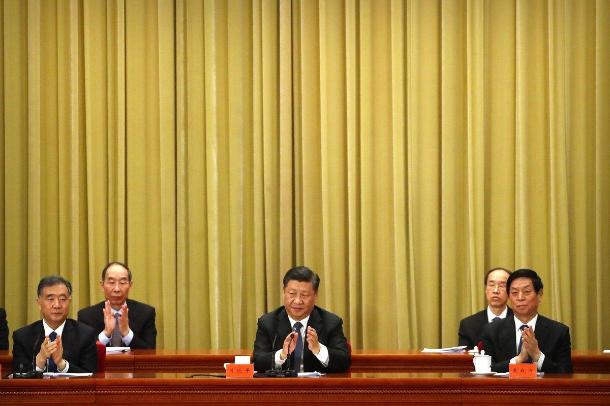 Esercito in pista e nuovi chip anti Usa. Xi lancia la doppia offensiva cinese