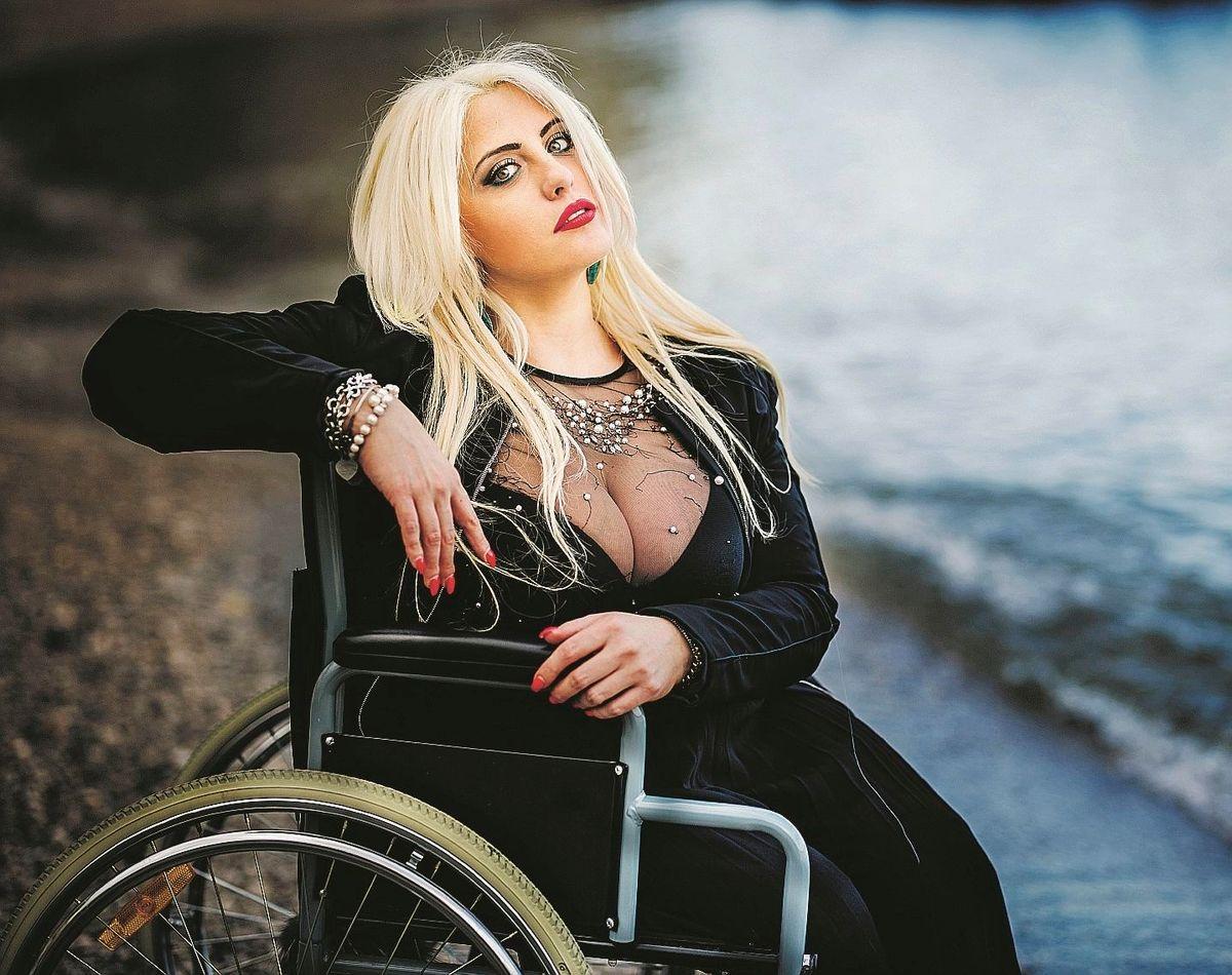 «Porto in passerella le disabili per sbattere in faccia la bellezza»