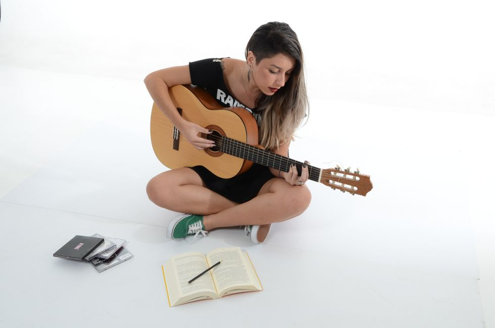 5 Reasons You Should Learn To Play An Instrument In College