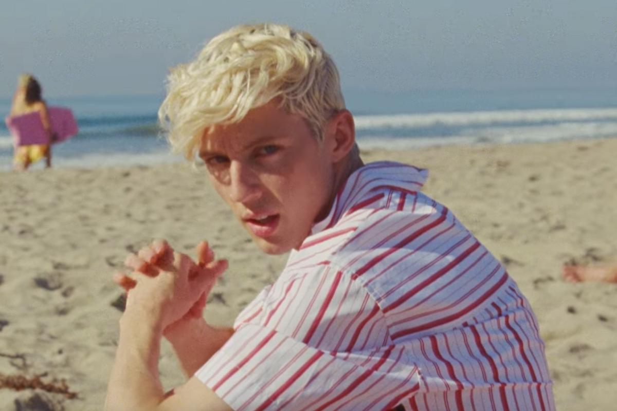 Troye Sivan Tugs at Our Heartstrings in 'Lucky Strike'