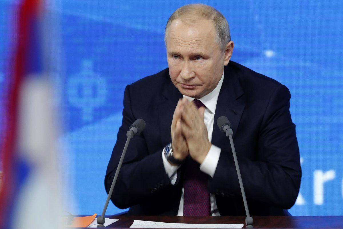 Ma quali troll russi. Sono i governi a pagare i giornalisti per infangare Putin