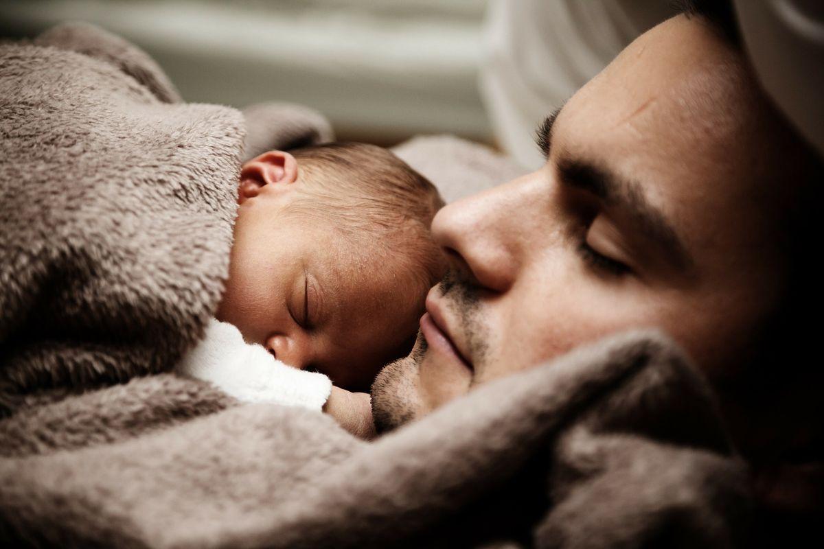 Non è la biologia a fare un padre, è il donarsi