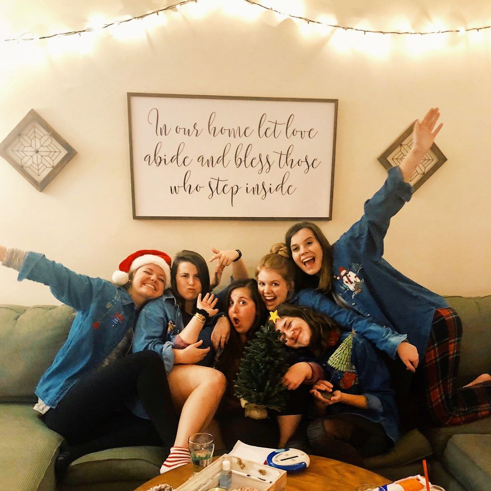 5 Things I've Learned From Living With 5 Other Girls