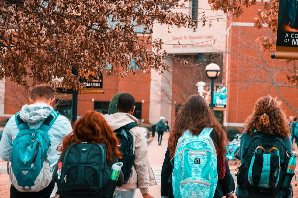 10 Thoughts Every College Student Has Their First Week Back To School