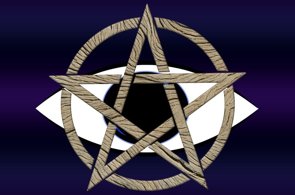https://pixabay.com/en/pentagram-eye-background-magic-1068852/