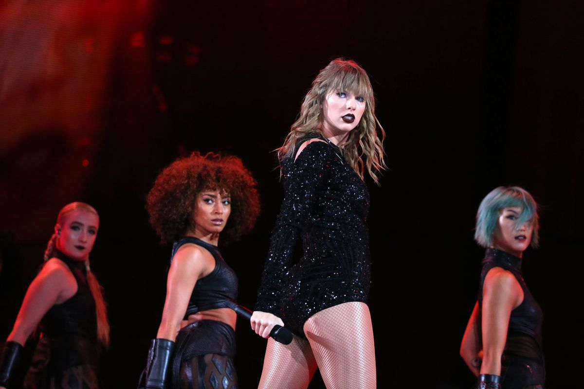 Taylor Swift Will Kick Off 2019 With a 'Reputation' Movie