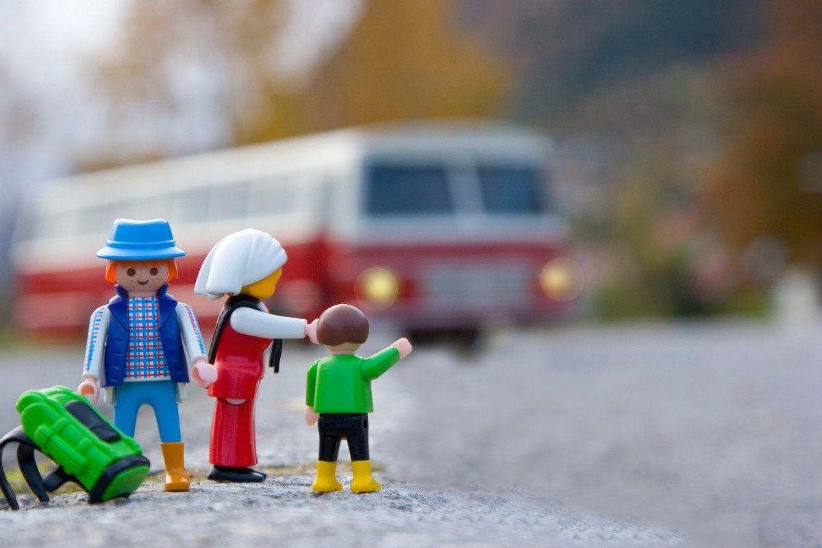 Al bimbo sul bus la multa si può fare