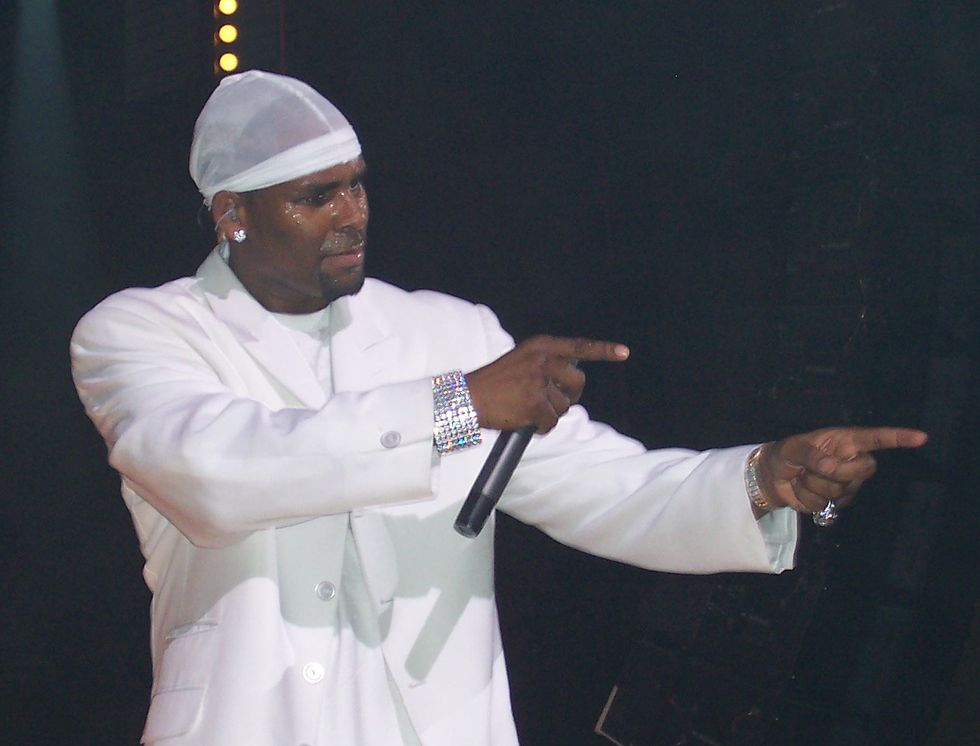 R. Kelly, The Pied Piper Of Prison, Is Dividing The Black Community