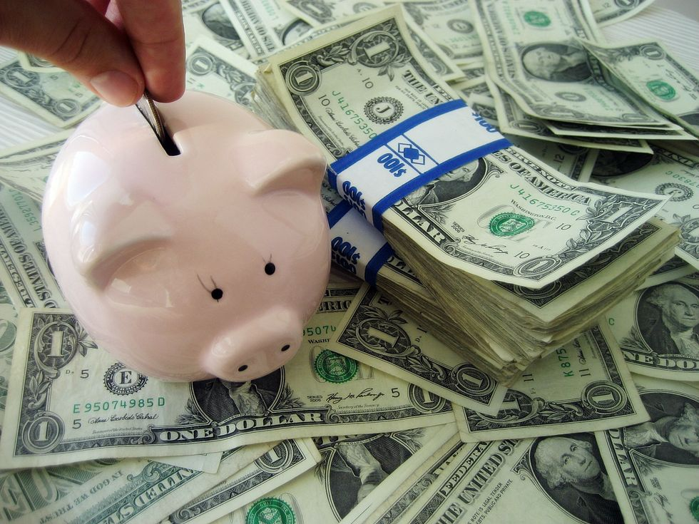 4 Reasonable Ways To Actually Save Money In College