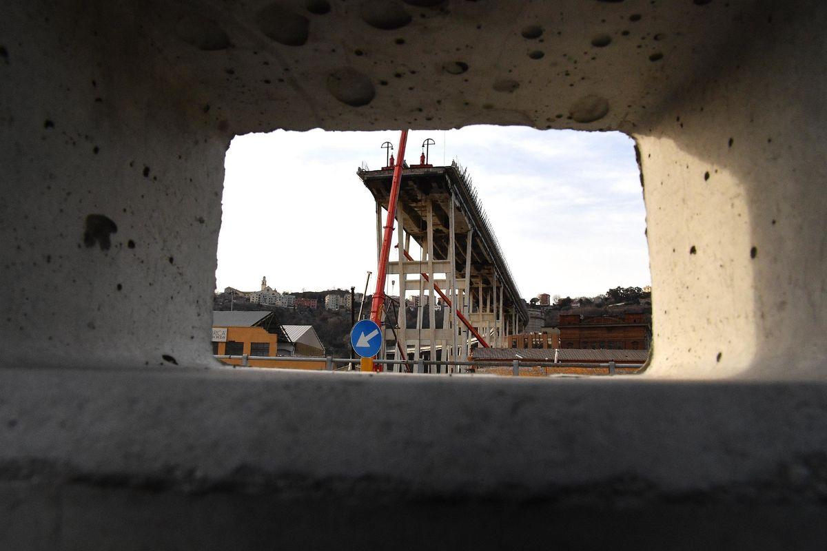 L'ex prodiano che vigilava sul ponte dà lezioni di carenze infrastrutturali