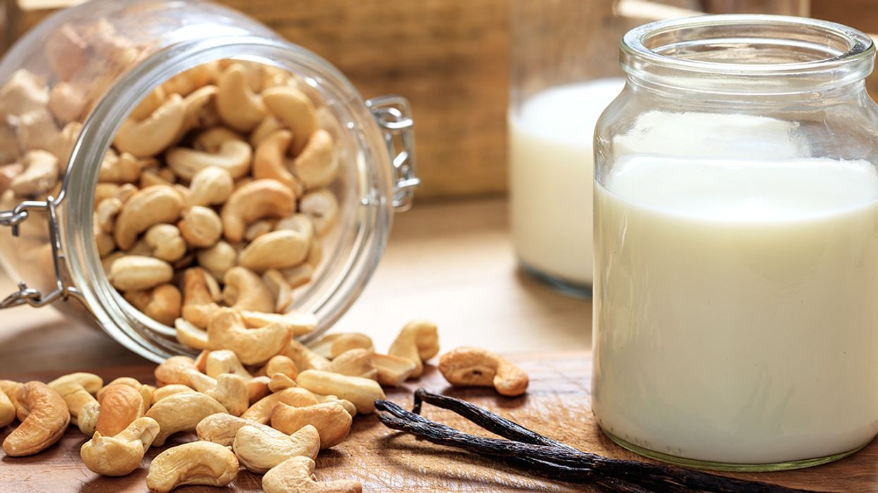 10 Nutrition and Health Benefits of Cashew Milk