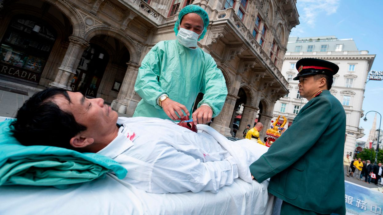 protest of illegal organ harvesting in China
