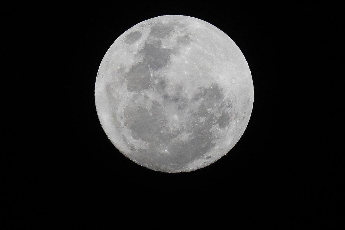 L'Europa pensa alla Luna. Obiettivo una base stabile per l'uomo