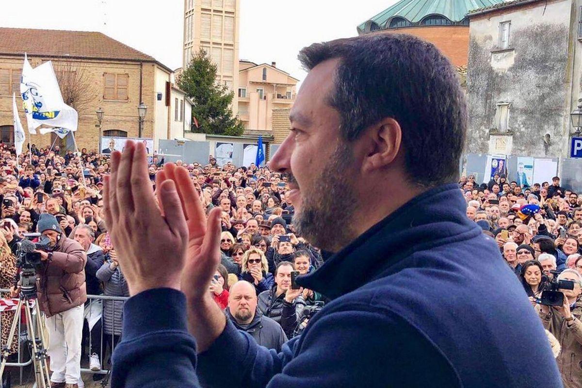 «L'accoglienza resta, il business no»: Salvini spiega il decreto sicurezza
