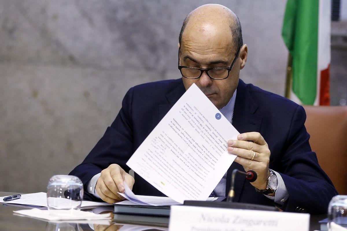 Zingaretti attacca per prendersi il Pd ma l'ex premier schiera due cordate