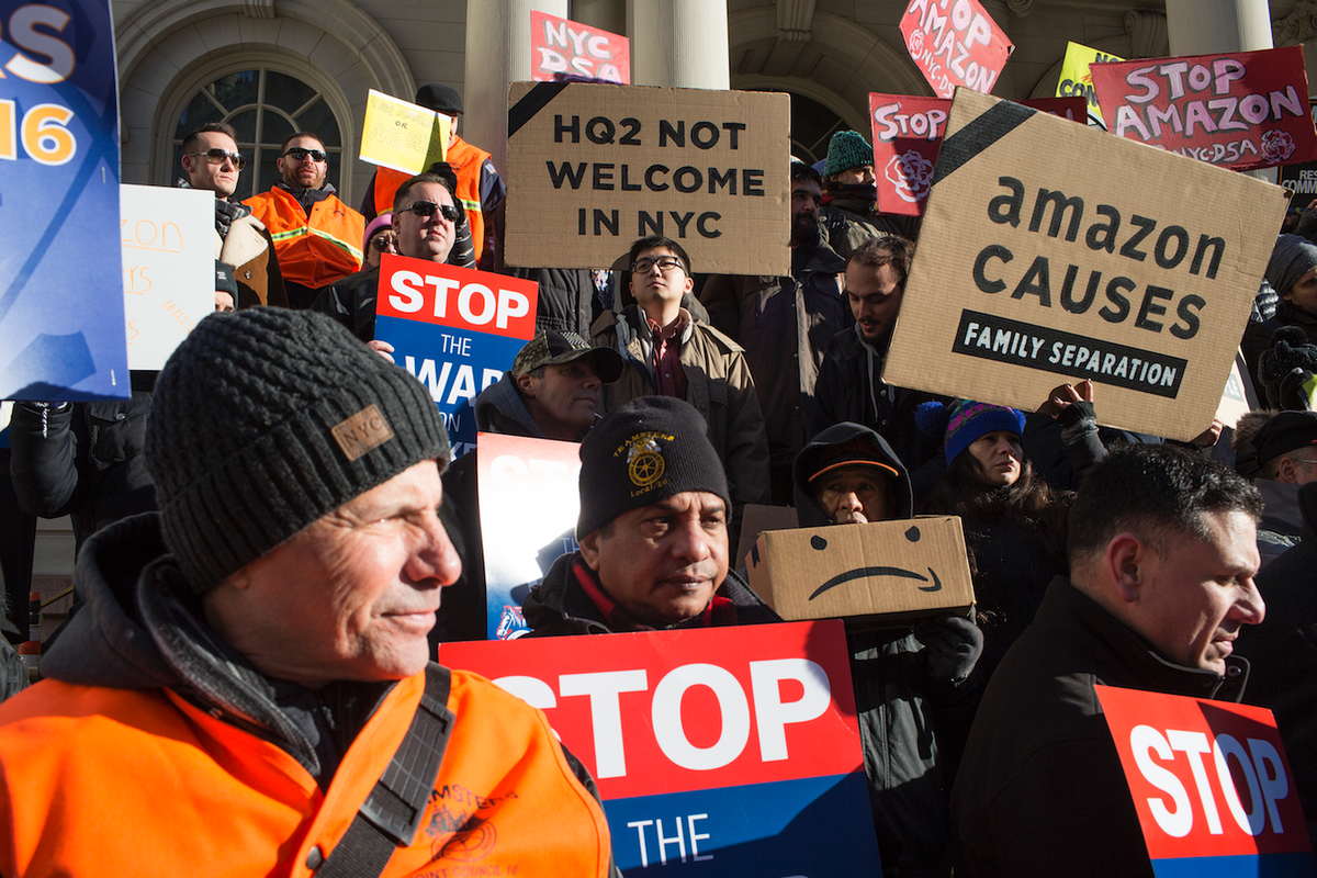 Amazon Is Reconsidering Queens HQ After Local Pushback