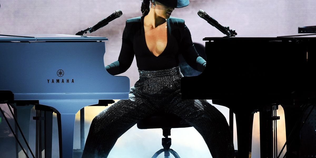 Alicia Keys Is the Hostess with the Mostest