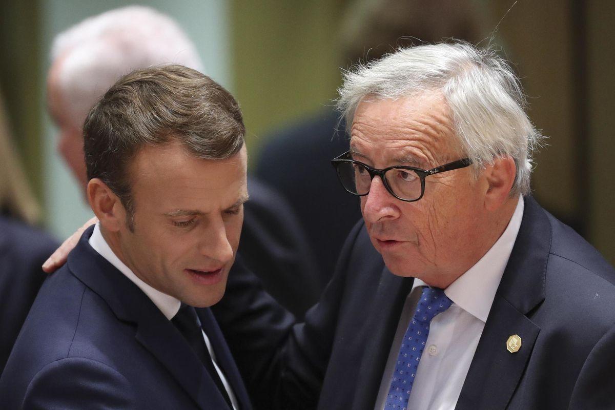 Parigi se ne frega dei limiti sul deficit. Tanto a Bruxelles bastonano solo noi
