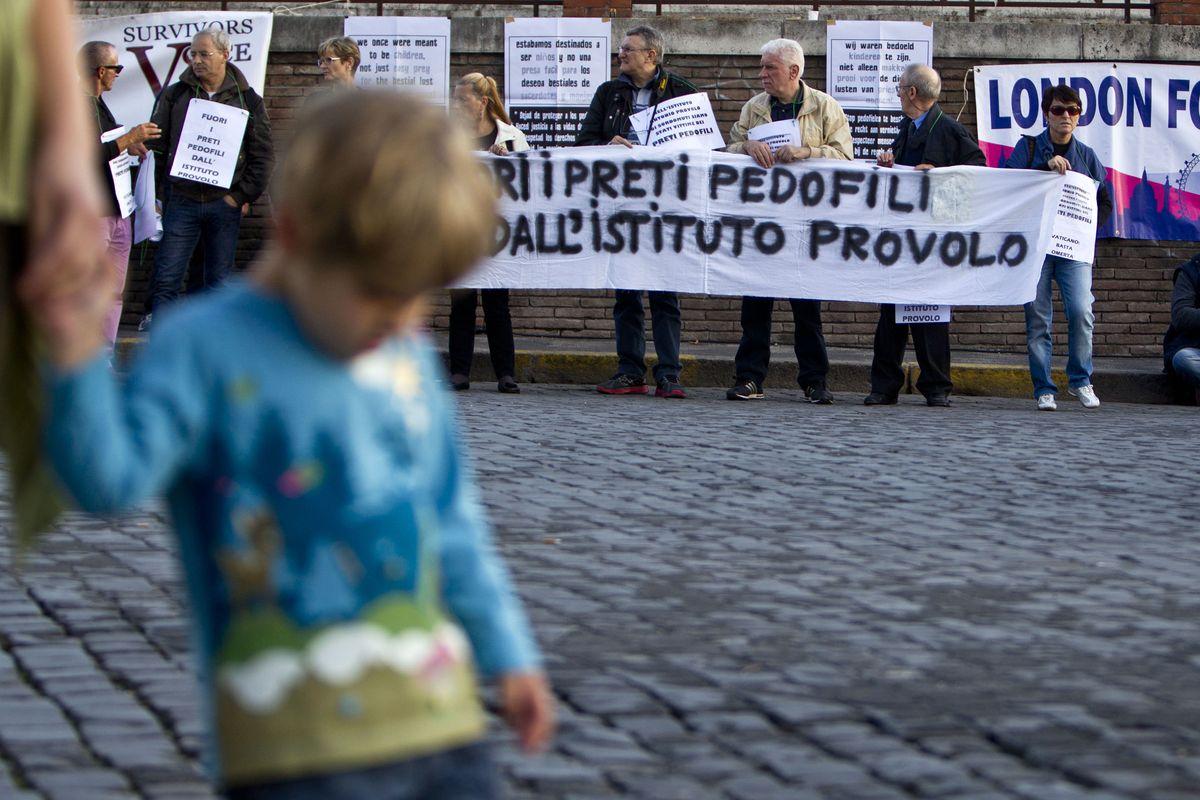 Preti pedofili, l'Onu chiede all'Italia di rifare il Concordato con la Chiesa