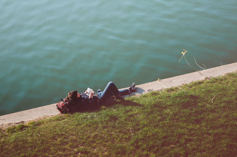 13 Struggles Of Being An Introvert In An Extrovert's Major