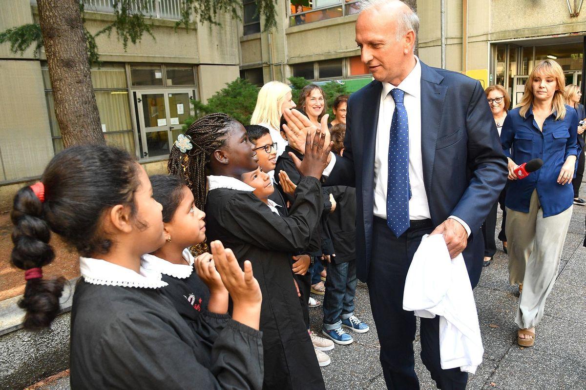 «Troppe scuole a rischio crollo? Le controllerò con il satellite»