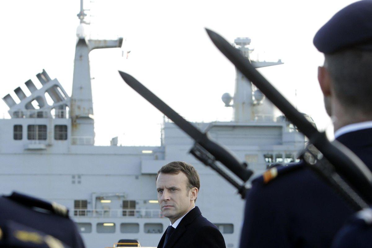 Macron riporta la guerra in Libia