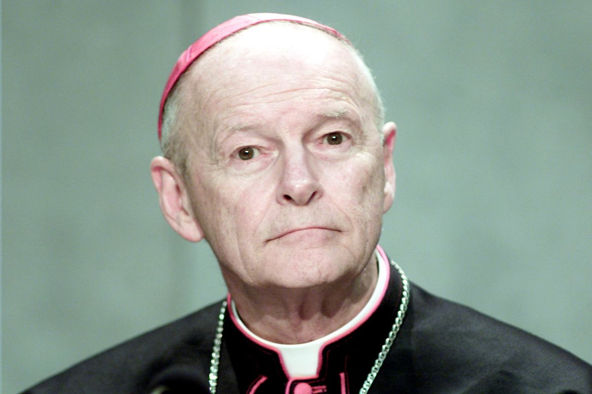 Tutti i vescovi legati a McCarrick hanno fatto guerra ai conservatori