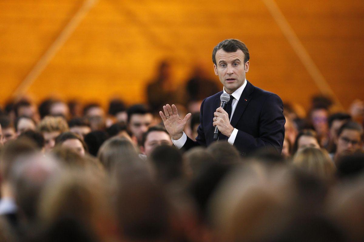 Macron prova a intimidire chi dà le notizie