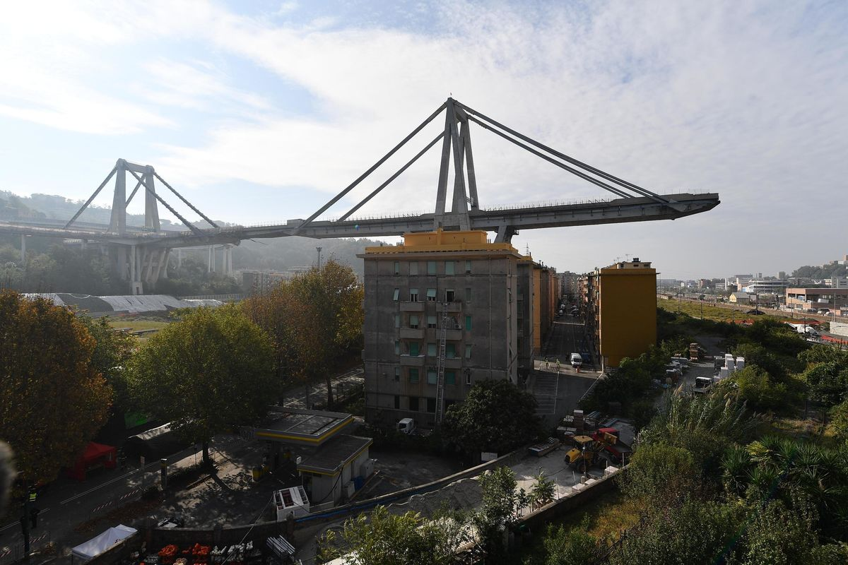 L'inchiesta sul crollo del ponte Morandi punta anche su Delrio
