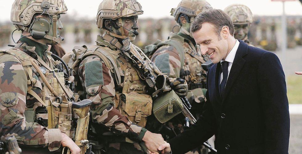 Mentre Macron chiamava il Colle, i caccia francesi attaccavano la Libia
