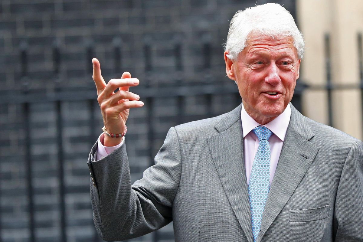 Le femministe rabbiose del Me too hanno un nuovo paladino: Bill Clinton