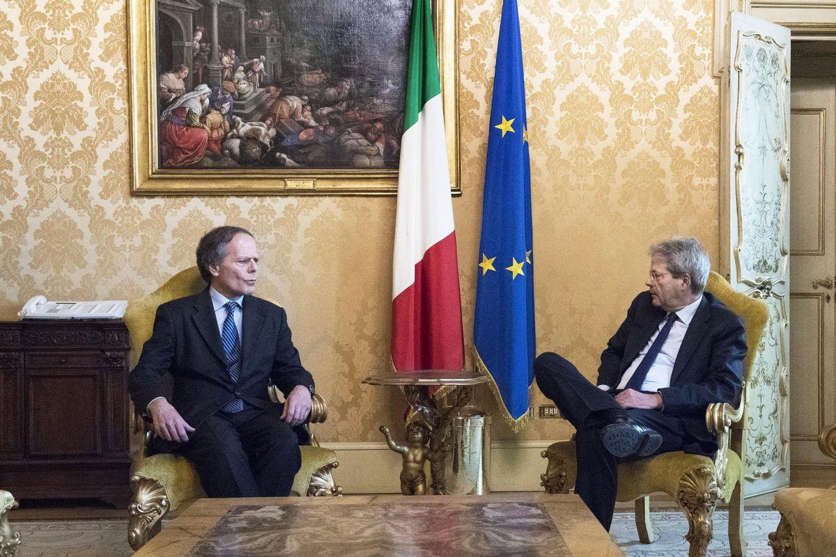 L'ambasciata in Libia ancora senza guida fa contenta la Francia (e pure Moavero)