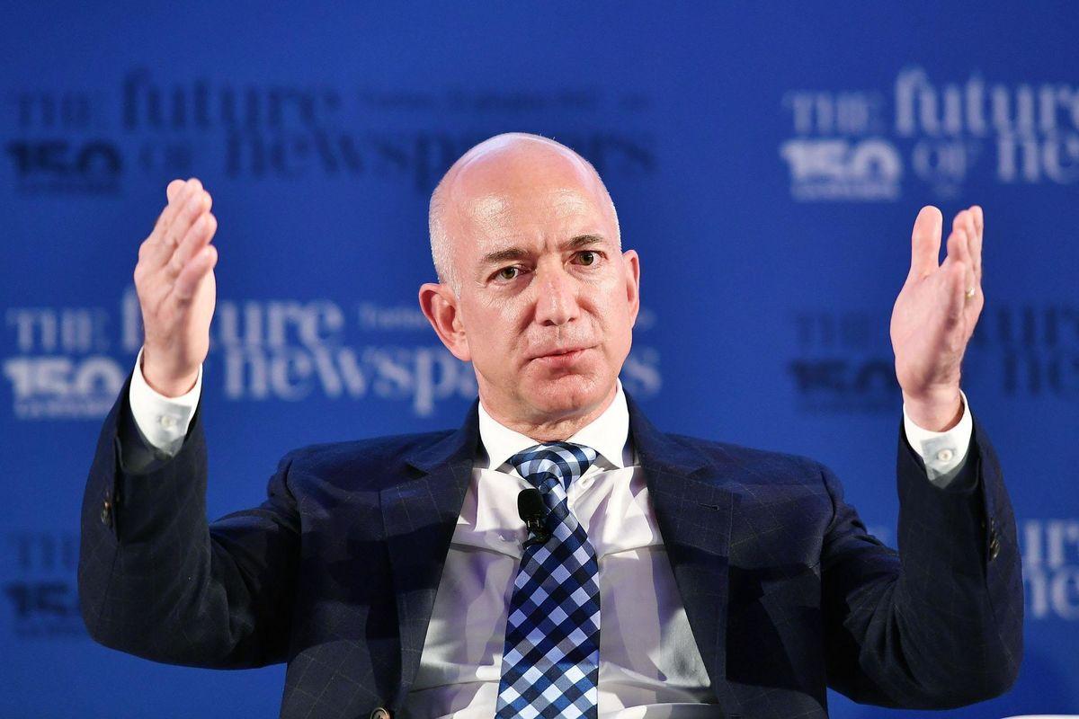 Ospedali Amazon. Bezos mette le mani sui dati sanitari dei suoi dipendenti