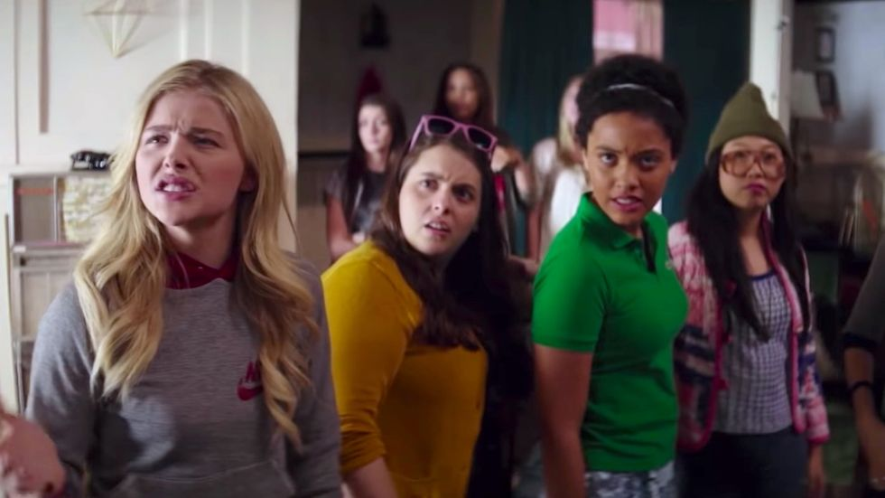 neighbors 2 sorority rising tampon scene