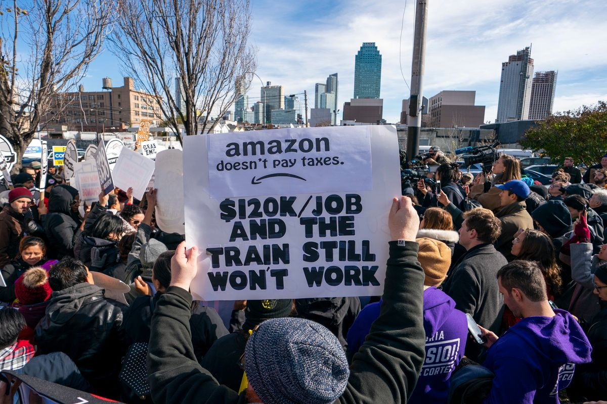 Amazon Pulls the Plug On NYC Headquarters