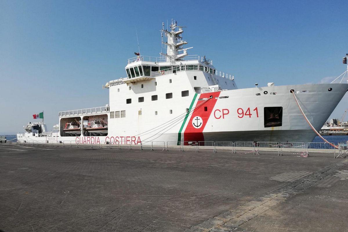 Nave Diciotti attraccherà a Catania. Salvini: «Non sbarcherà nessuno»